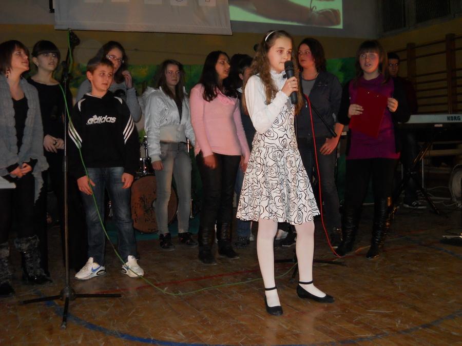 Humanitarni Koncert Ucenika Osnovne Skole Ivan Goran Kovacic U