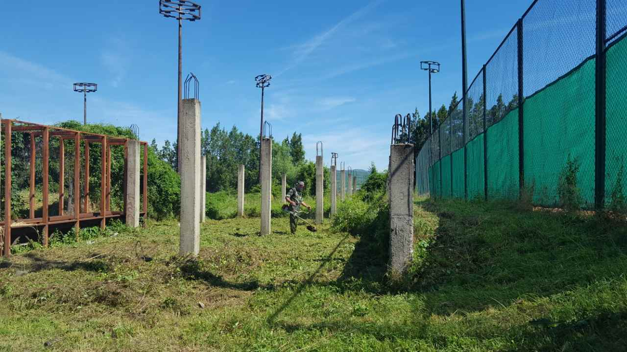 Počelo sređivanje sportskih terena Vrtop u Niškoj Banji