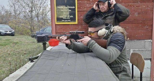 """Mladi pokazali umeće na strelištu """"Malča"""""""