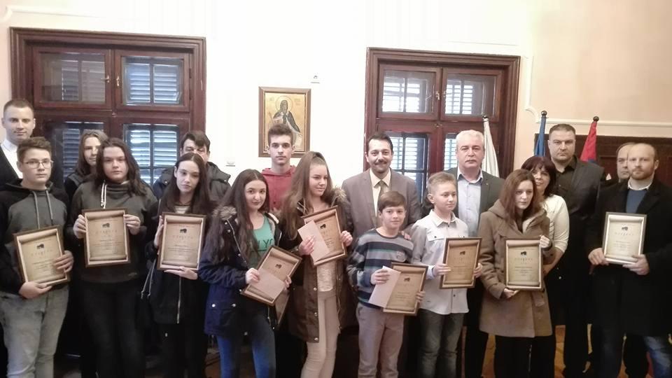 Nagrađeni Najbolji U Opstini Niska Banja Opstina Niska Banja