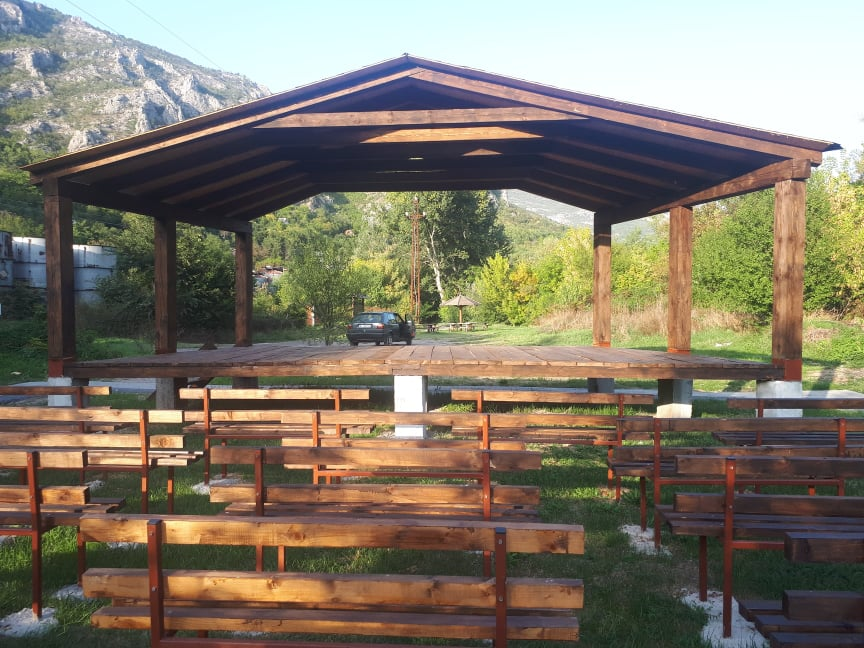 U Sićevačkoj klisuri postavljena prva učionica na otvorenom